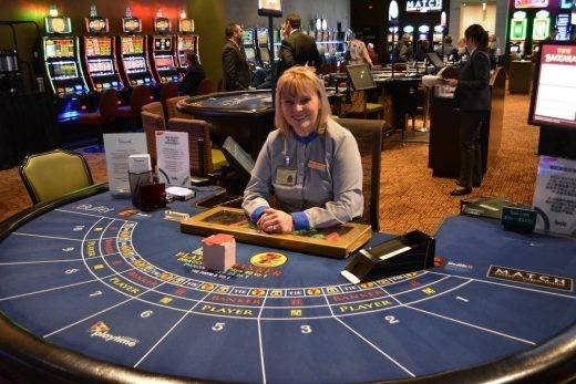 woman playing at the casino